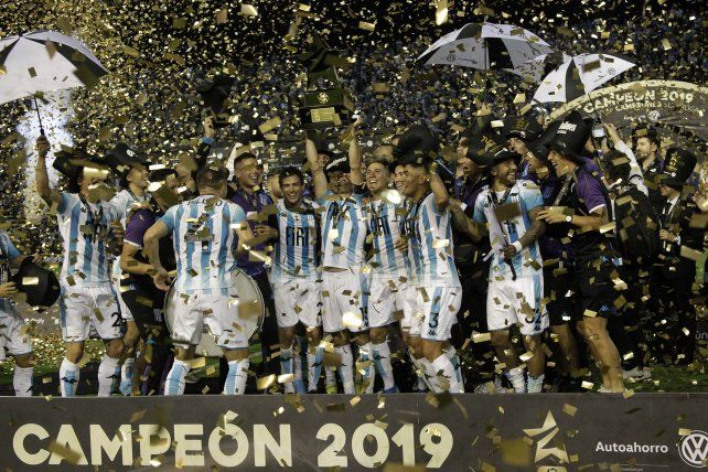 Racing le ganó a Tigre y se quedó con el Trofeo de Campeones