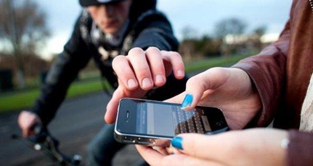 Los teléfonos celulares se convirtieron en uno de los objetos más preciados para los ciudadanos.