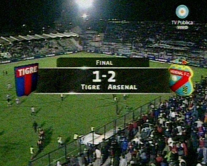 Arsenal lo dio vuelta y dejó a Tigre sin nada