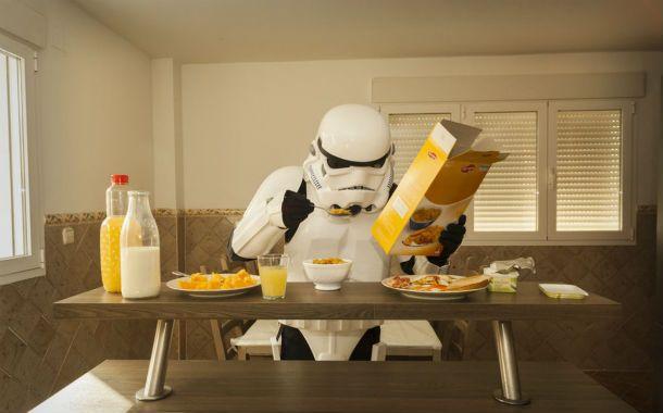 La vida cotidiana de un Stormtrooper interpretada por un artista español.