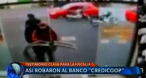 Se difundieron las imágenes que muestran cómo robaron al banco Credicoop