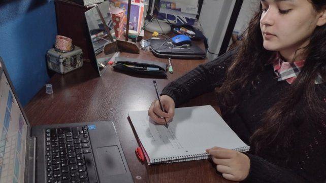 Conectividad: historias mínimas de estudiantes secundarios en pandemia