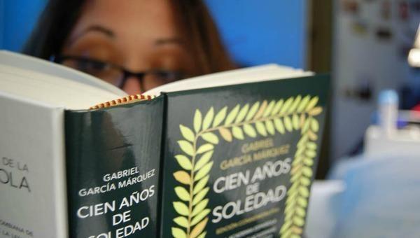 Recuperan  ejemplar de la primera edición de Cien años de soledad robado en Bogotá
