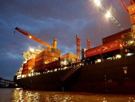 bienes. Las importaciones subieron 18