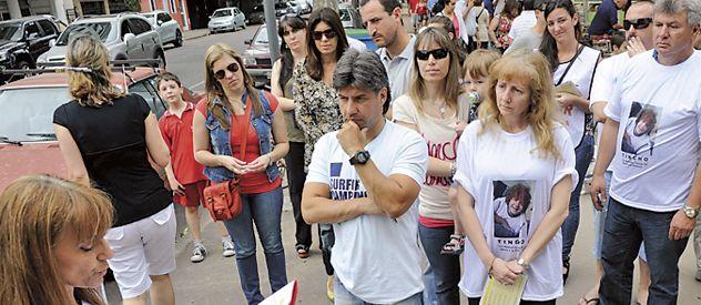 Familiares de víctimas leyeron ayer un manifiesto en Santiago y Rivadavia