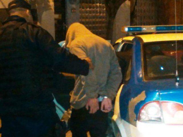 En el Eempa. Wenceslao fue sacado de clases por la policía.