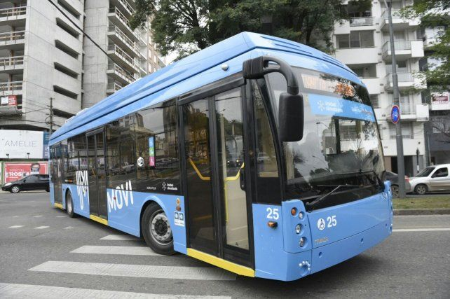 La nueva línea Q de trolebuses ya circula por las calles de Rosario