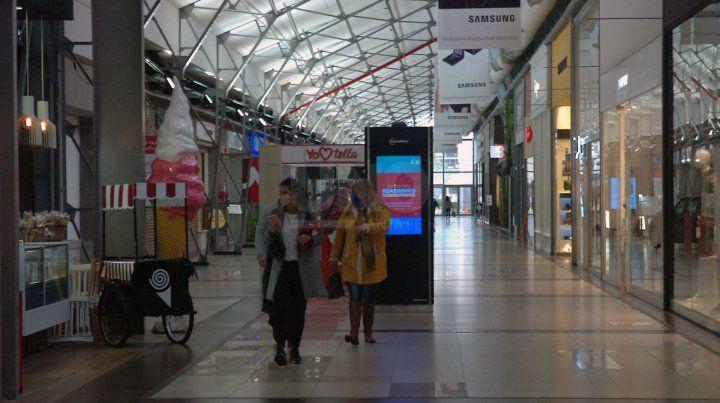 El shopping La Ribera trabaja delunes a domingo, en el horario de 12 a 20.