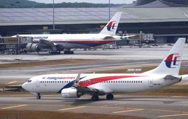 Las versiones son alimentadas ante los malos manejos de la información del gobierno malayo.