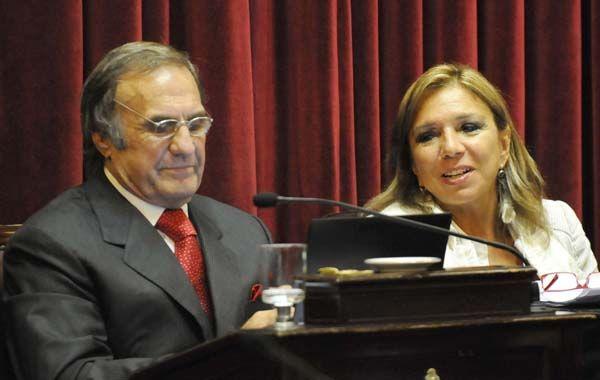 La senadora se despegó del ex gobernador por considerar que el actual gobierno es el más peronista después de Perón.