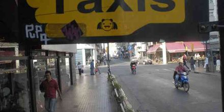 Mataron a un taxista en zona norte y sus colegas cortaron accesos al centro