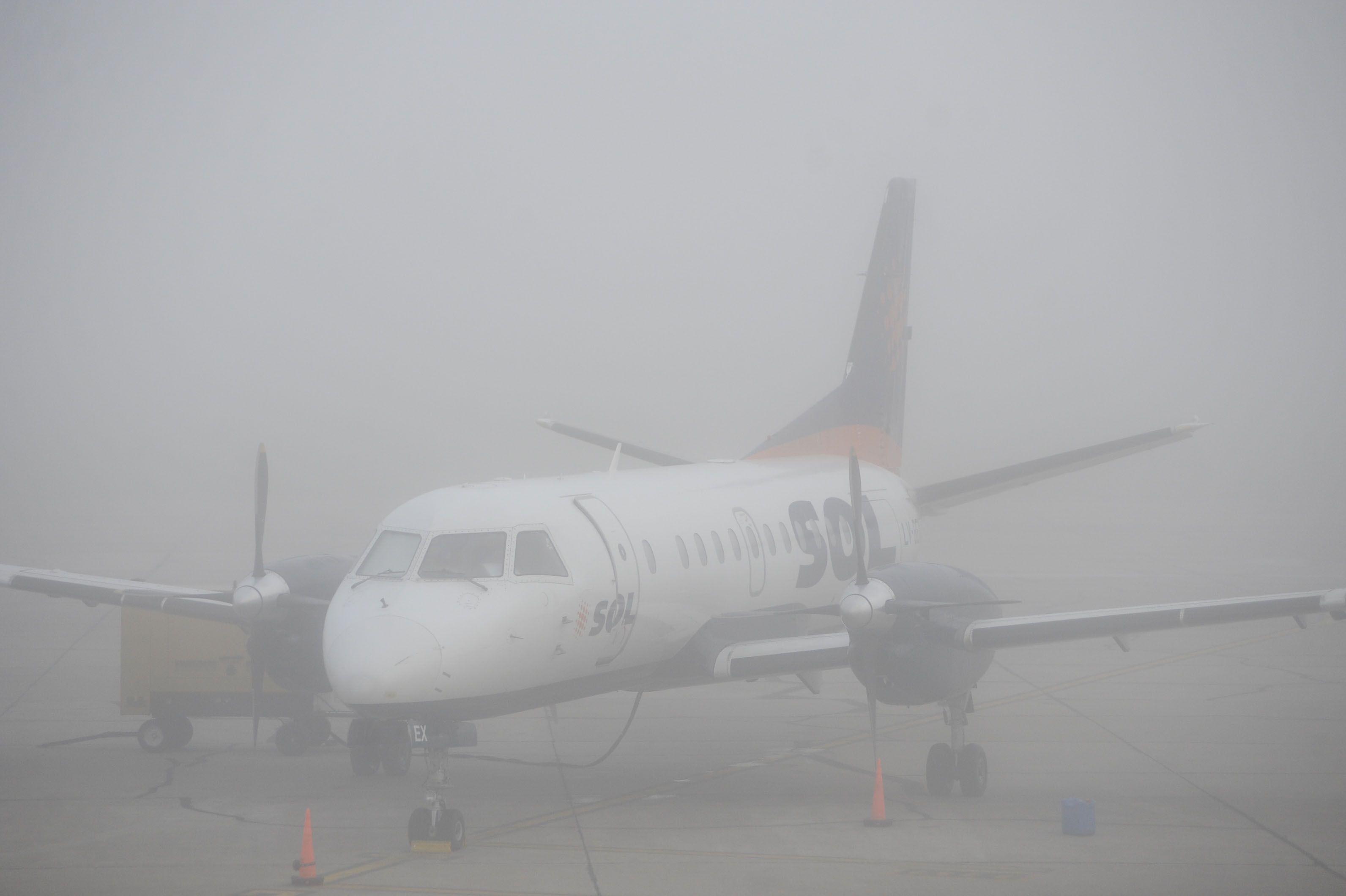 El Aeropuerto Islas Malvinas estaba inoperable esta mañana por la densa niebla.