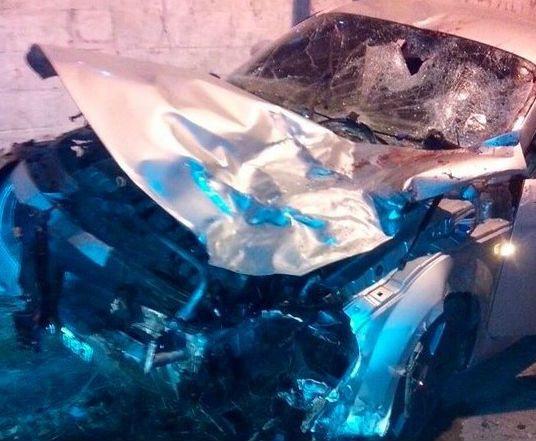 El accidente se registró anoche en en la esquina de Río Negro y Campbell.