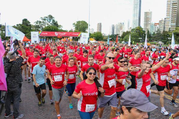 Unas 6 mil personas participaron de la maratón. (Foto: Virginia Benedetto / La Capital)