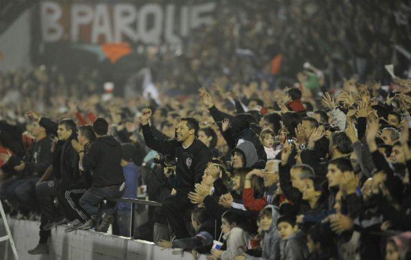 Lorente destacó el apoyo de los hinchas al equipo rojinegro.