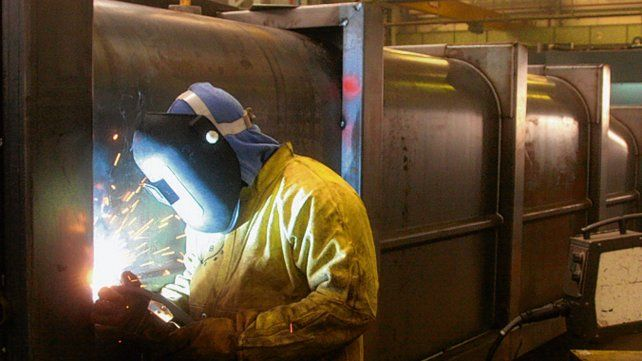 La siderurgia retrocedió por encima del promedio.