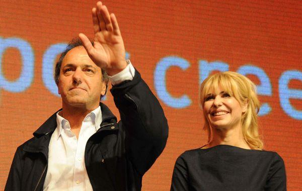 El gobernador bonaerense junto a su mujer