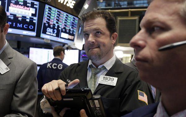 Derrape. Los operadores de Wall Street asisten a importantes caídas en las Bolsas durante las últimas semanas.
