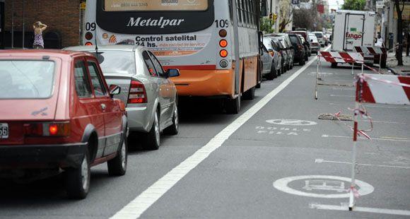 Arrancan los carriles exclusivos, un cambio clave para el tránsito