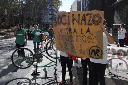 Trabajadores municipales continúan su plan de lucha.