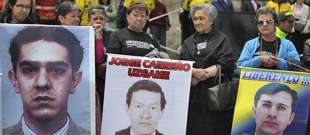 Protesta de familiares de secuestrados en manos de las Farc en Bogotá. Las negociaciones deberán asegurar su liberación.