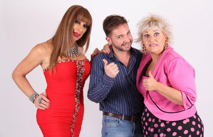 Bendito tú eres. El director Manuel Cansino junto a la vedette Vanesa Squillaci y la comediante Gachy Roldán.