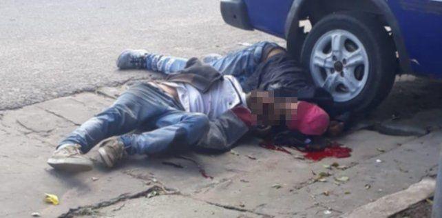 Mataron a tiros a un joven y dejaron malherido a su tío