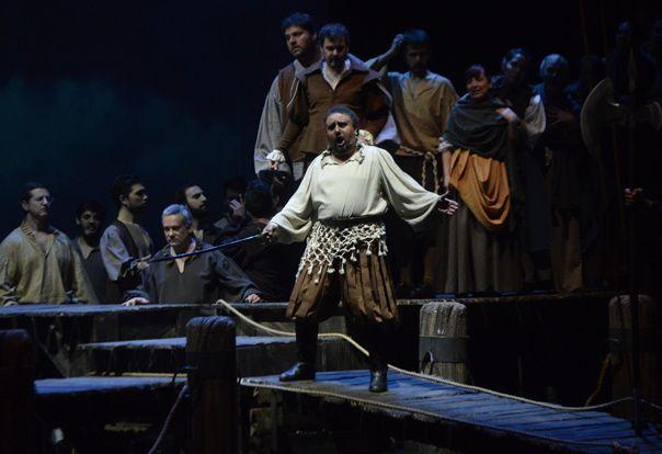 celos. Las pasiones dominan al personaje central creado por Shakespeare.