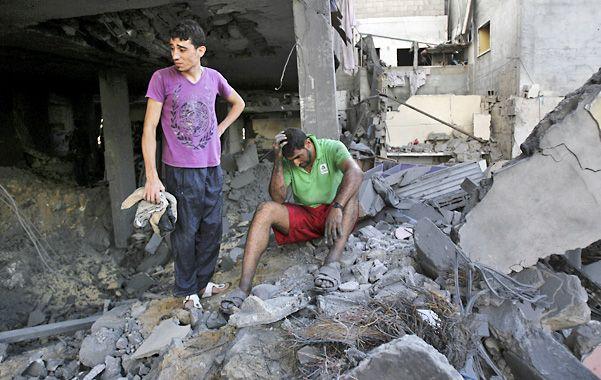En Ruinas. El departamento de un dirigente de la Jihad Islámica en Gaza fue atacado por la aviación israelí.