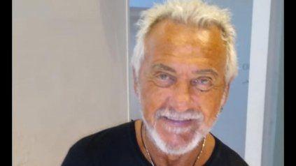 El peluquero rosarino Roberto Sguassero falleció este lunes, a los 74 años.