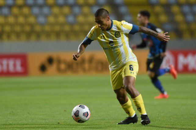 Central se trajo un punto de Chile en un partido que jugó con diez hombres