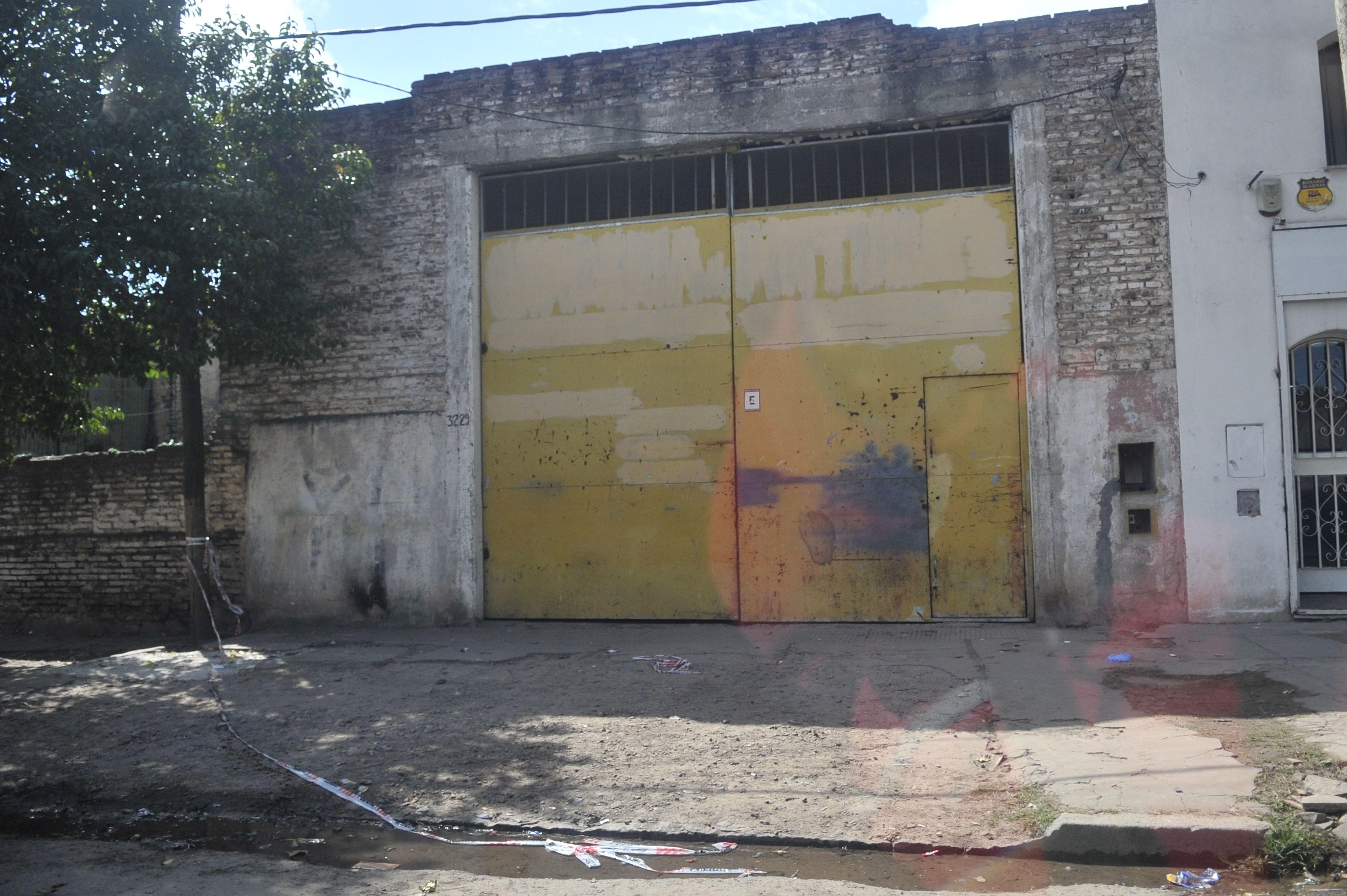 El lugar. Ontiveros fue asesinado frente a un galpón de Felipe Moré y Lejarza. (Virginia Benedetto / La Capital)