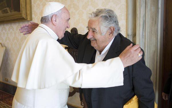 El Papa Francisco recibió ayer la ex presidente uruguayo Pepe Mujica.