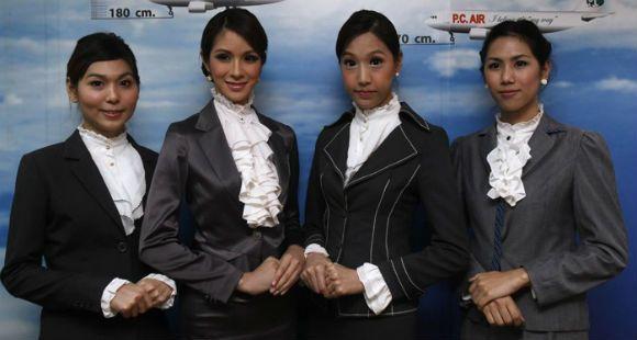 Empezó a volar la primera aerolínea tailandesa con azafatas transexuales