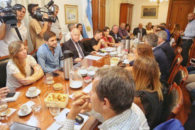 Acuerdo en la reunión convocada por Lifschitz para trabajar sobre la inseguridad