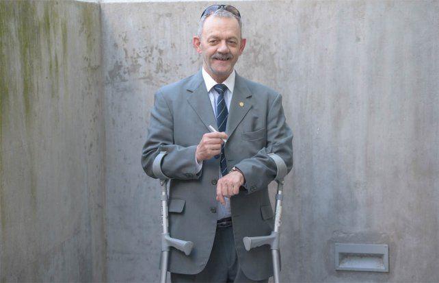 Sarnaglia desmiente haber presentado la renuncia y afirma que sigue de licencia