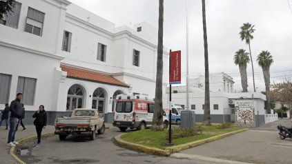 El Hospital Roque Sáenz Peña, uno de los eslabones del sistema de salud que resiste en la pandemia.