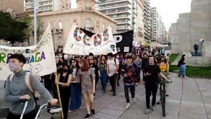 Marcha en Rosario en el 45º aniversario de La Noche de los Lápices