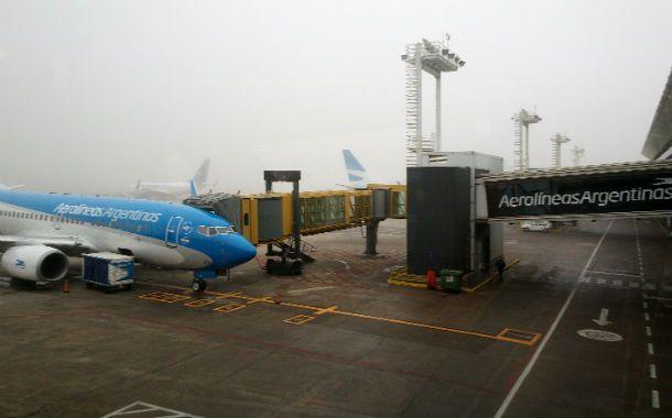 En tierra. Aviones de Aerolíneas ayer