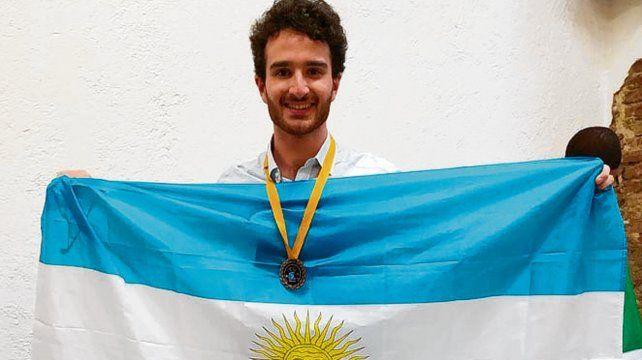 Juan Recoaro se coronó en la Olimpíada Latinoamericana de Puebla.