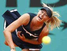 Derrotada y abucheada, Sharapova se hunde en la soberbia