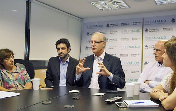 """Daniel Gollán: """"Argentina es líder en materia de trasplantes""""."""
