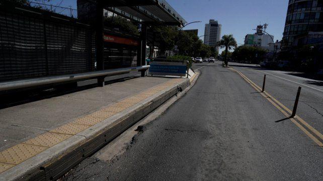 La calzada del Metrobus Norte luce deteriorada en varios puntos. Ya se reparó en diversas ocasiones