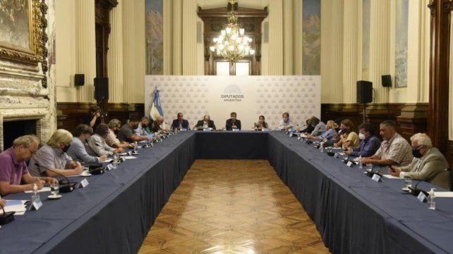 La Corriente Federal de Trabajadores de la CGT se reunió en el Congreso con diputadas y diputados del Frente de Todos.