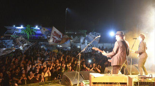 Una multitud copó el Hipódromo en el Festival Bandera