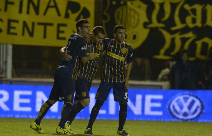 Marco Ruben celebra su gol