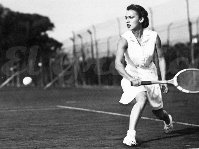 La inolvidable Mary Terán de Weiss. Llegó a cuartos de final en Roland Garros en 1948 y 1952.