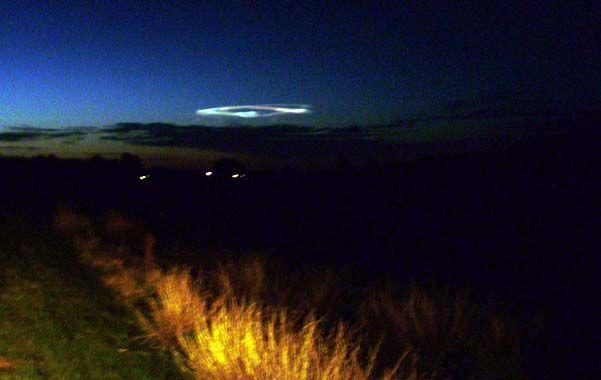 Lluvia de estrellas. La luz brillante cruzó anteanoche el cielo de medio país y llenó a la gente de preocupación.