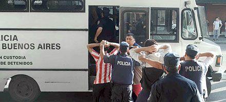 Murió el policía baleado ayer durante una pelea entre barras de Estudiantes