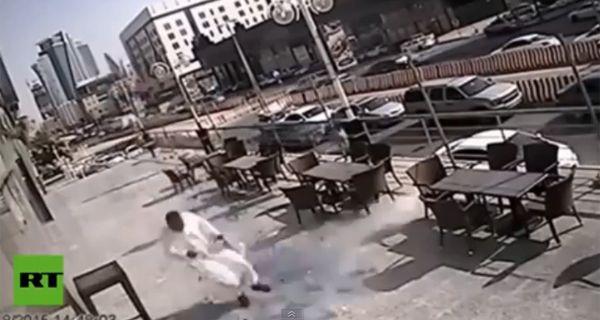 Un hombre se salvó de morir decapitado luego de caerle un pesado espejo